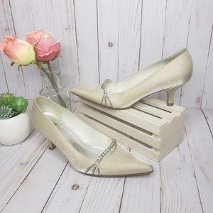 Stuart Weitzman Ivory Shimmer Silver Kitten Heels